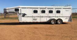'+ Horse trailer